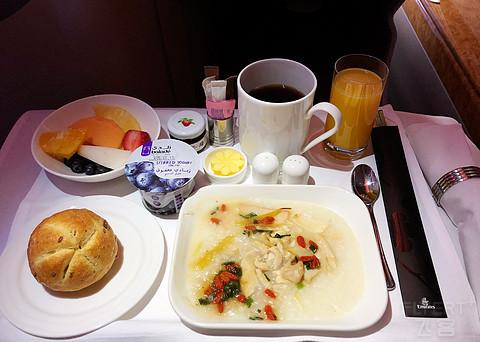 阿联酋航空商务舱亚的斯亚贝巴-北京飞行分享
