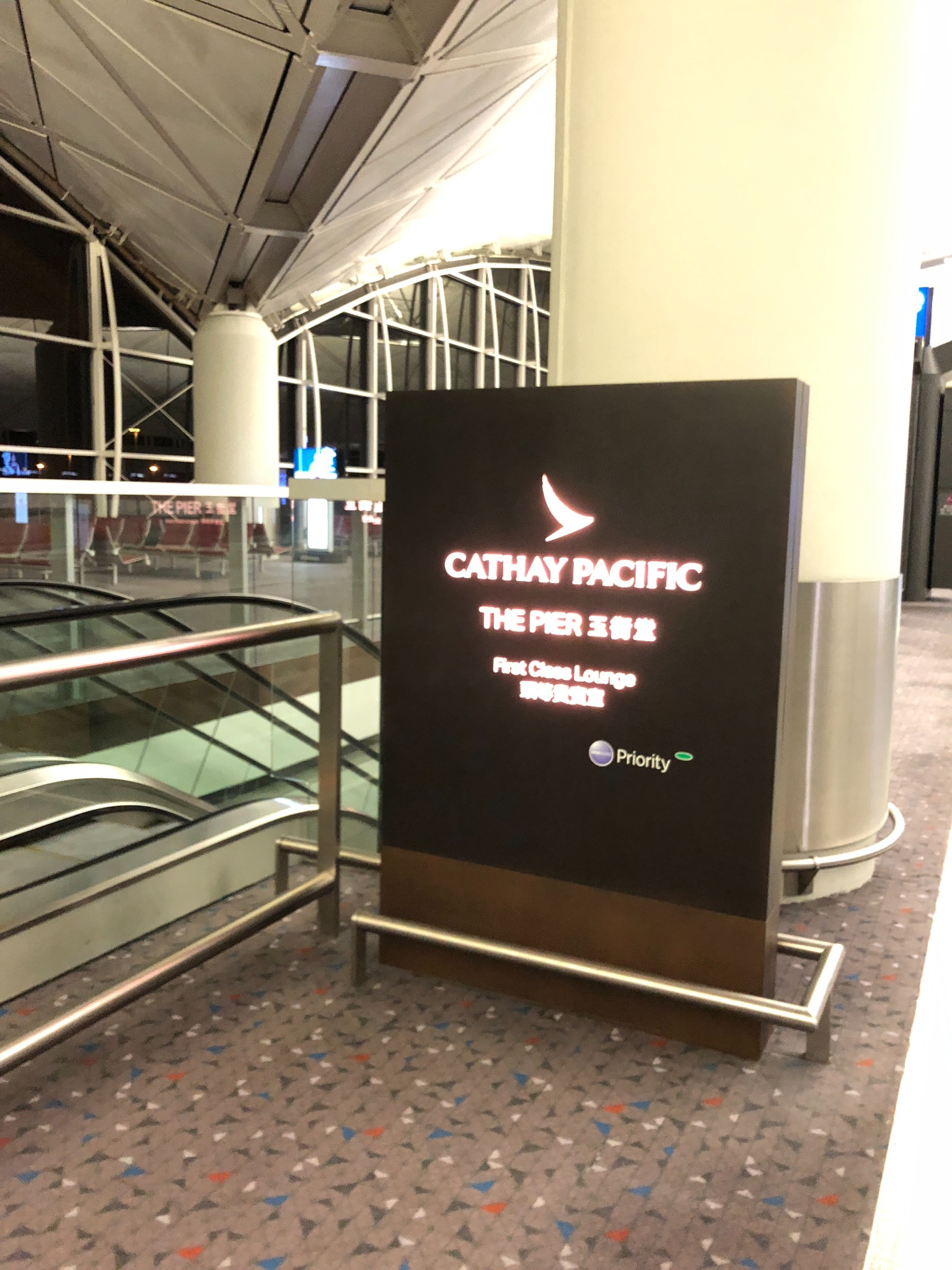 【飞回2017】跨年CX888 HKG-YVR First Report