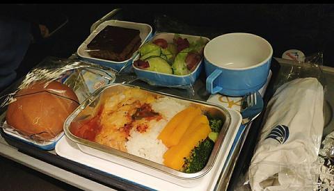 埃及航空MS959 77W 3-3-3经济舱,高性价比亚欧转机