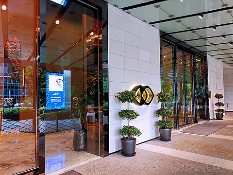 何必人潮涌金沙,解锁坡县新经典。——新加坡市中心索菲特酒店