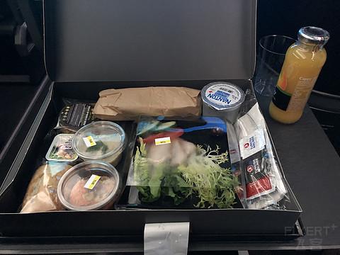#飞客11周年#疫情期间体验土航商务舱新装