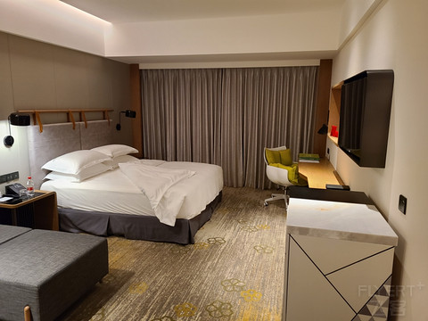 深夜中转·广州南湖假日酒店