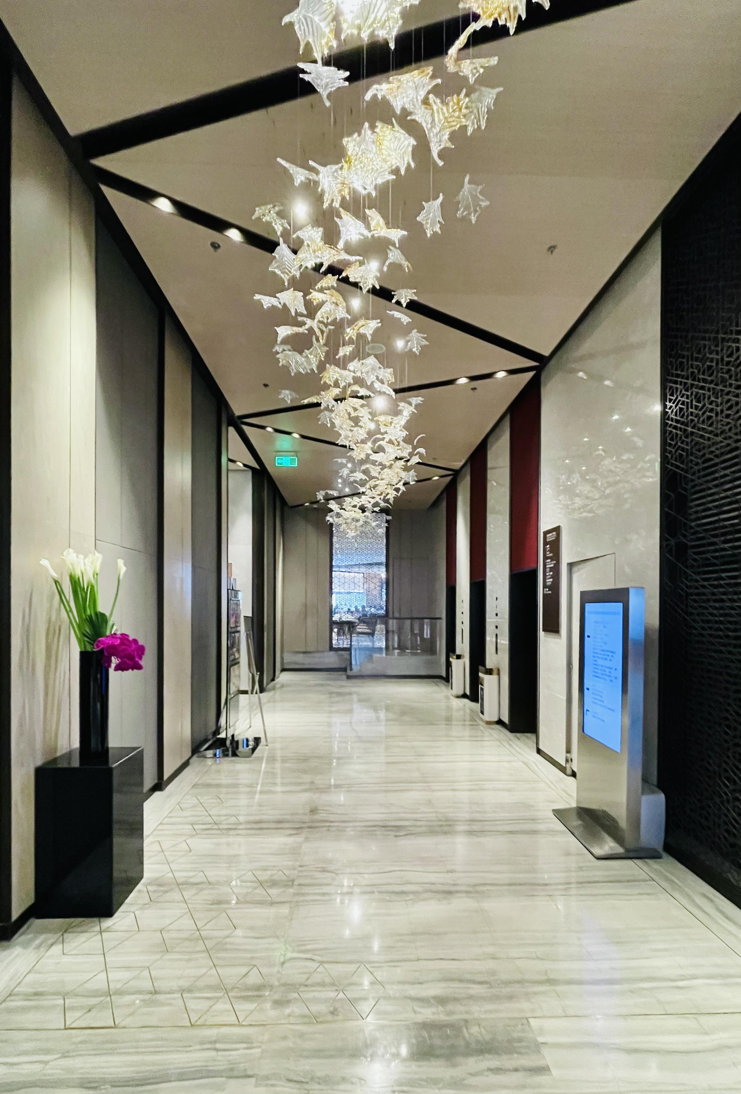 相亲角一游—上海世茂皇家艾美酒店