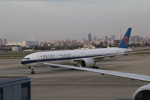 【黄浦江畔花正茂】中国南方航空公司 CZ3572 SHA- CAN 777公务舱体验Repo