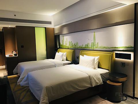 临近机场性价比高的商务优选-深圳宝安体育馆希尔顿欢朋高级房体验