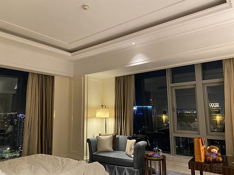 位置不错 硬件维护较好 酒廊相对同级别品牌出品较好