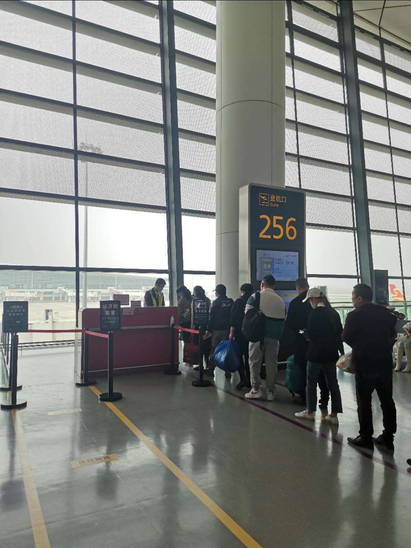 PN6321 郑州-温州 简报~西部航空唯一的自营值机柜台