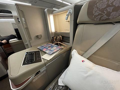 东航350商务舱和虹桥新贵宾室体验