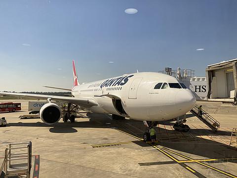 澳洲航空 QF777 A330-200 公务舱体验