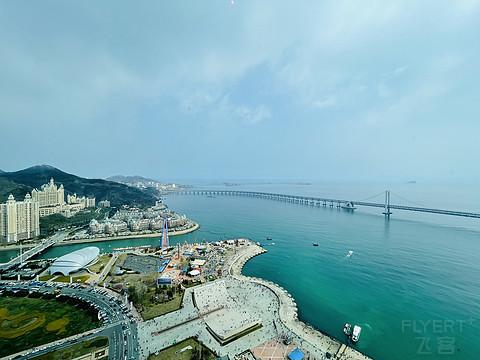 于山海之间,感受浪漫都市,凭海临风俯瞰港桥风景—星海湾广场的君悦酒店,大连的不二 ...