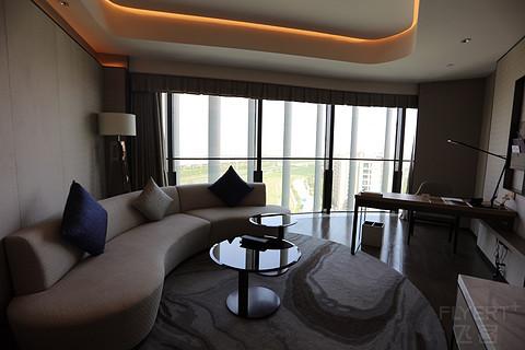 上海临港美爵两种套房