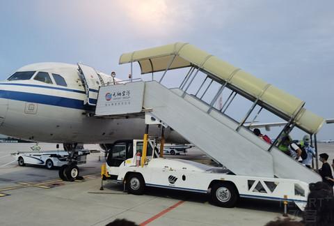 国航系的飞行: PEK-XMN;XMN-CTU。