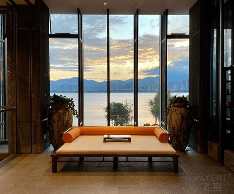 落地窗外是洱海:大理英迪格酒店再体验