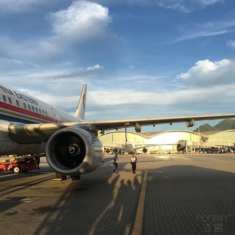 以前正常日子的飞行记录 搭乘广九直通车前往香港再从香港飞回家