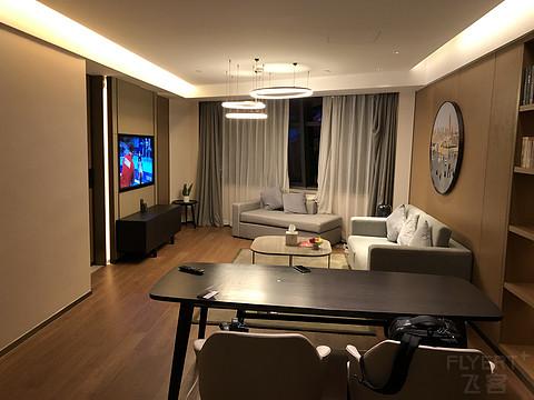 杭州浙勤开元名都大酒店开元套房台风天入住体验简报。