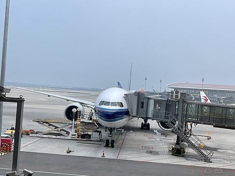 暑假白菜之旅(三)精品线篇:京广线B777-300ER 公务舱报告
