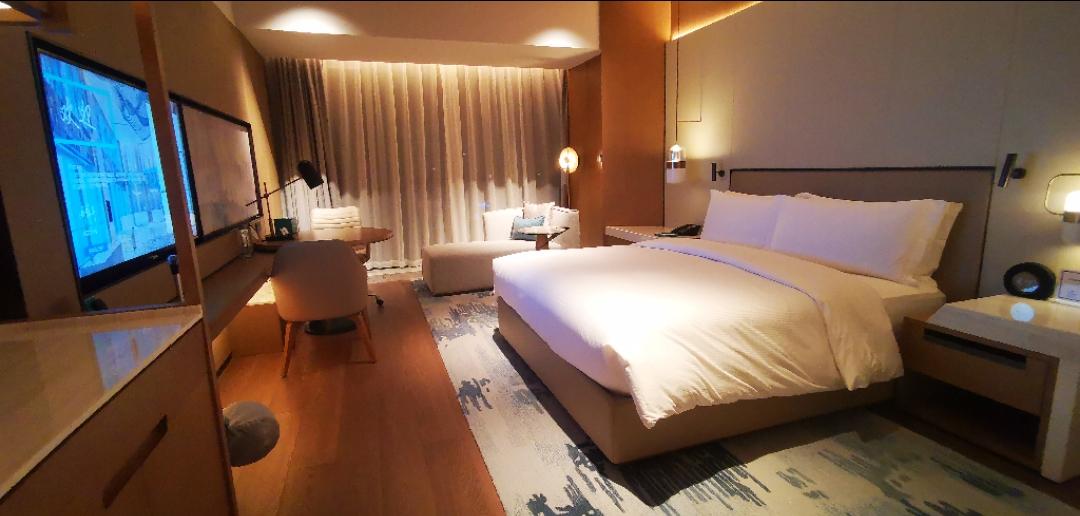 重庆高科希尔顿酒店大床体验