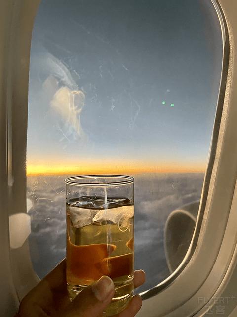 在飞机上追逐黄昏|搭乘南航787公务舱飞往喀什