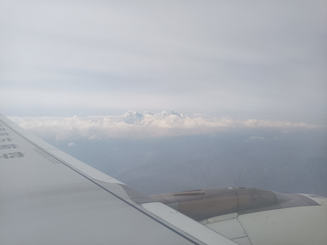 乌鲁木齐-喀什 左边还是右边景色好呢