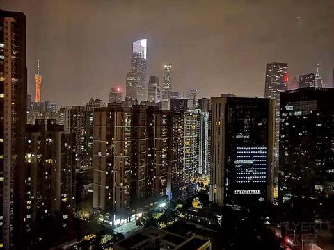 在城中看珠江新城,远远瞄着广州塔——广州珠江新城维多利酒店
