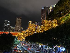 青石板上的月光照进这山城:重庆来福士洲际打卡