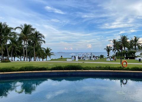 三亚亚龙湾瑞吉度假酒店泳池套