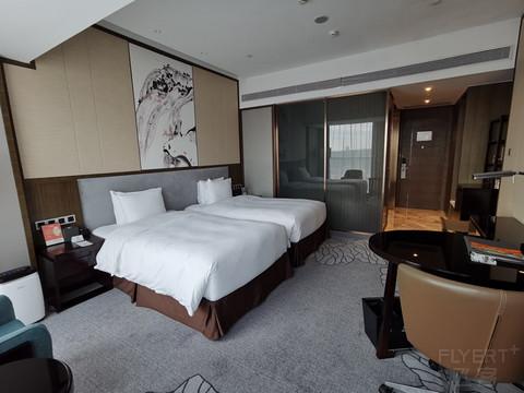 南宁中心永恒皇冠假日酒店——初秋的南宁,微热的邂逅