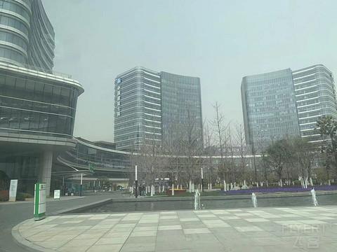 """详细评测郑州滨河假日酒店,符合预期的""""中规中矩"""""""