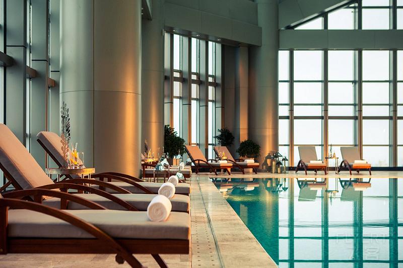 huzbr-swimming-pool-6285-hor-clsc.jpeg