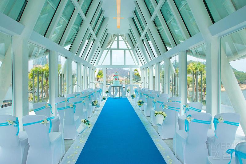 huzsb-wedding-chapel-9689-hor-clsc.jpeg