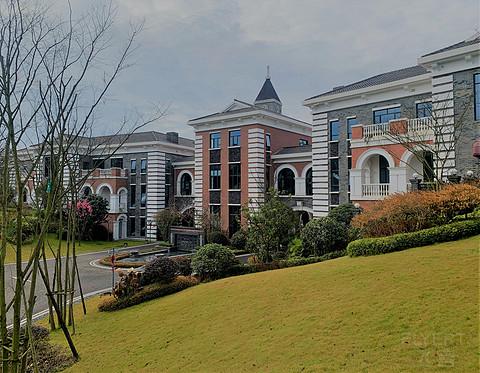 内外兼修的黑龙潭英迪格酒店