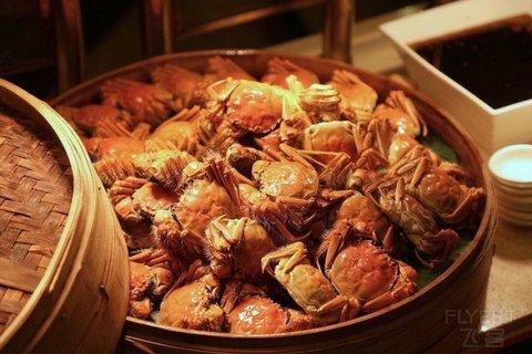 【徳式美食+大闸蟹派送】¥188/位--上海淳大万丽酒店万丽咖啡厅自助晚餐