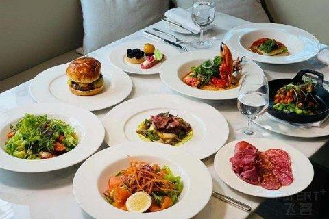 【奢牌午餐】¥328/2大1小--上海艾迪逊酒店西餐厅工作日半自助午餐